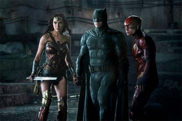 Una nueva imagen del trío calavera de Liga de la Justicia... Wonder Woman, Batman y Flash