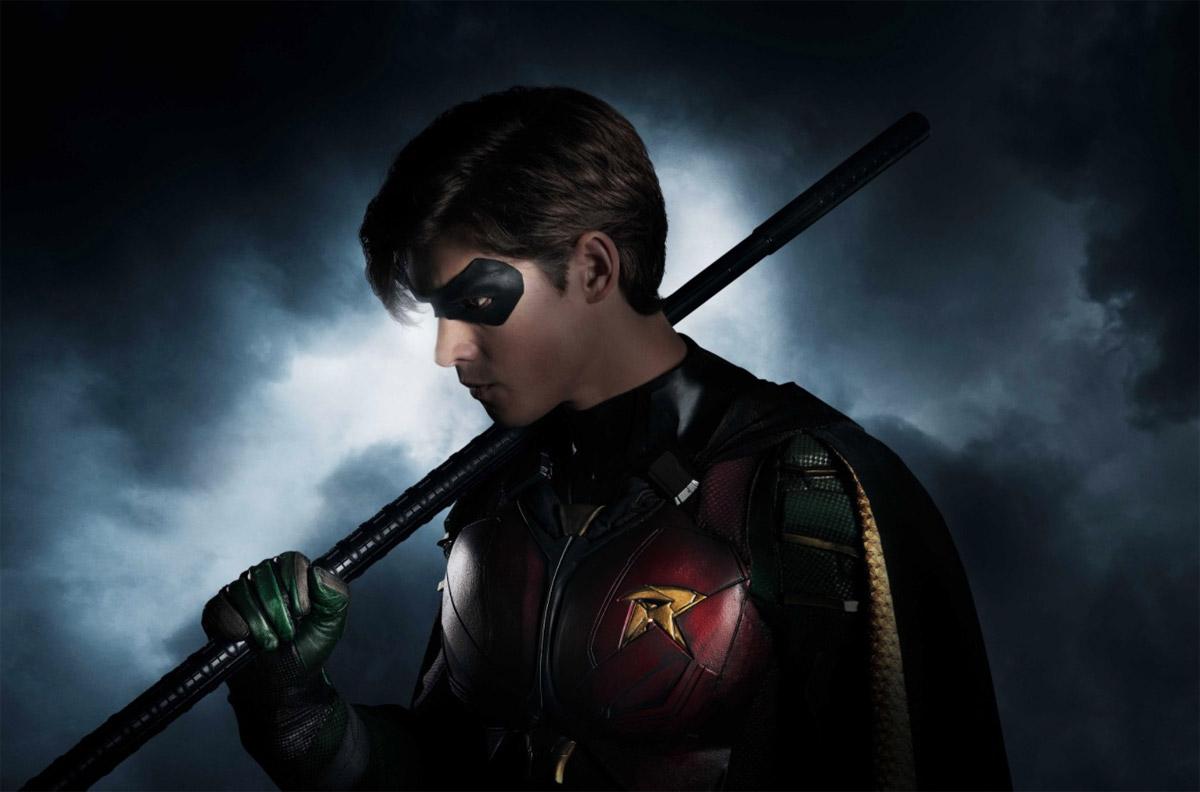 Dick Grayson AKA Robin, el traje apunta a adaptación perfecta