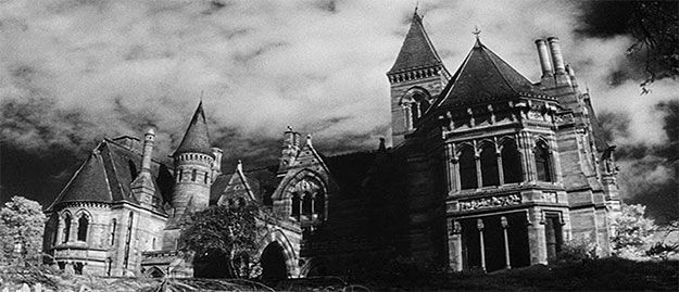 The Haunted Hill House... un clásico. Veremos que tal Garland con su The Toymaker's Secret