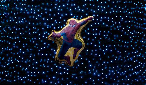 Imagen de Spider-Man globo en Santiago de Compostela (vía Isidro Cea)