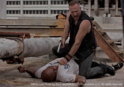 Merle Dixon (Michael Rooker) and T-Dog (Iron E. Singleton)