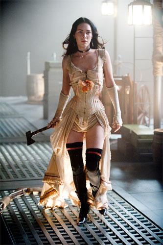 Megan Fox como Leila