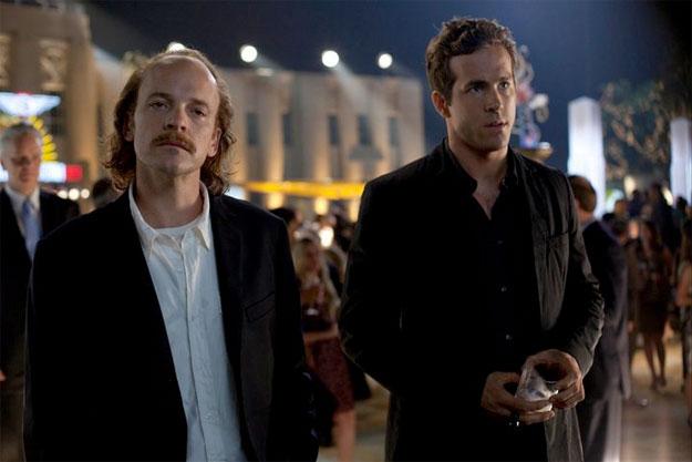 Green Lantern. Hector Hammond (Peter Sarsgaard) y Hal Jordan (Ryan Reynolds) se encuentran