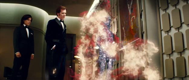 Sebastian Shaw y Emma Frost observan la capacidad de teletransporte de Azazel
