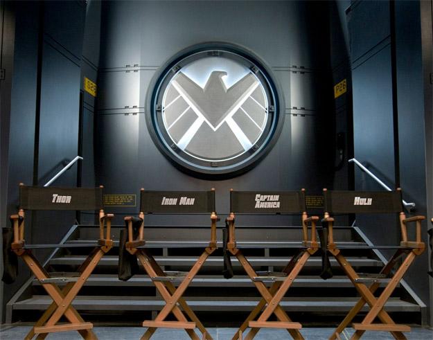 Simpática imagen de la puesta en marcha de The Avengers