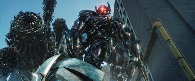 Nuevo vistazo a Shockwave, el villano de Transformers: el lado oscuro de la luna