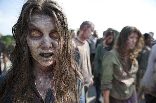 """Primer vistazo a la segunda temporada de """"The Walking Dead""""... ojos arrebolados"""