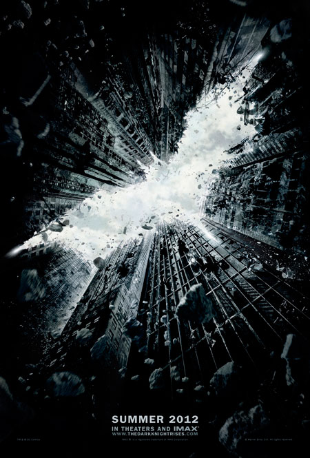 El primer teaser póster de The Dark Knight Rises… veranos del 2012
