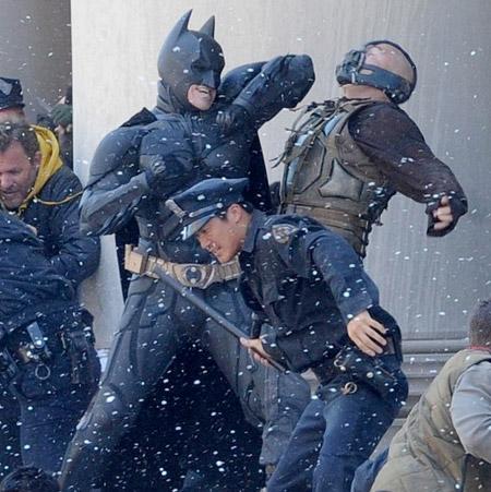 El que avisa no es traidor, Batman pone de verano a Bane