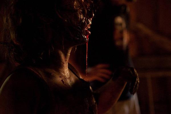 Sangrienta nueva imagen de The Woman, uno de los films que puede que se vean en Sitges 2011