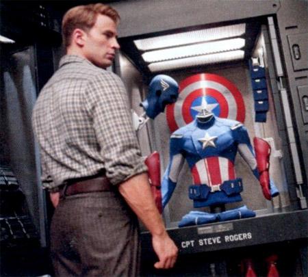 Nueva imagen / escaneo de Los Vengadores vía la revista EW. Steve Rogers