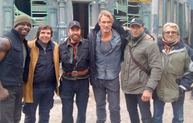 Otra imagen para la histeria... Terry Crews, no se, Chuck Norris, Dolph Lundgren, no se 2 y no se 3