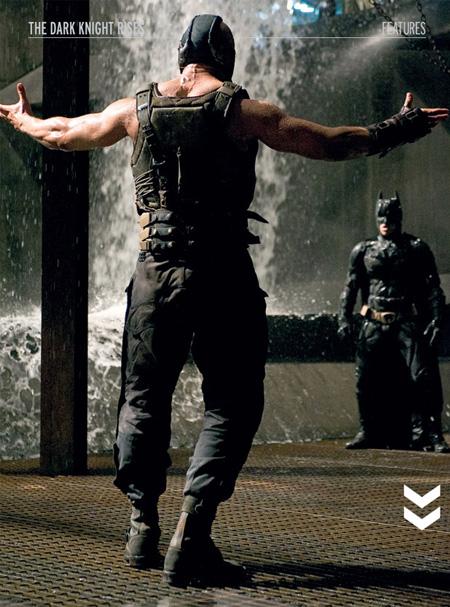 Bane (Tom Hardy) se sobra y desafía a Batman (Christian Bale)