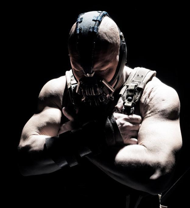 El bruto de Bane, que mete miedo se le mire por donde se le mire