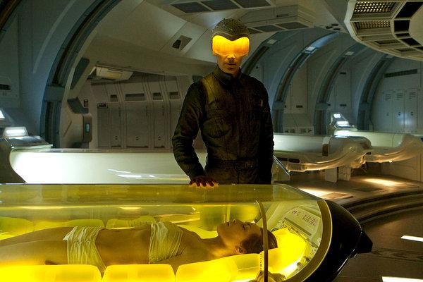 David (Michael Fassbender) es el encargado de controlar el estado de los pasajeros de la Prometheus