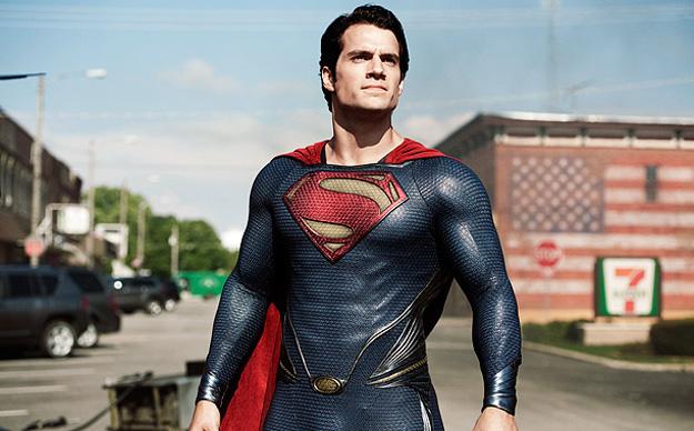 Superman (Henry Cavill), el nuevo hombre de acero
