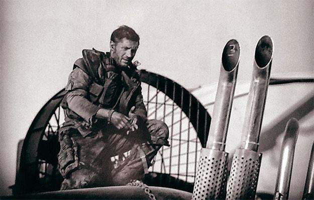 Con esta ya son dos las fotos de Tom Hardy como el nuevo Mad Max