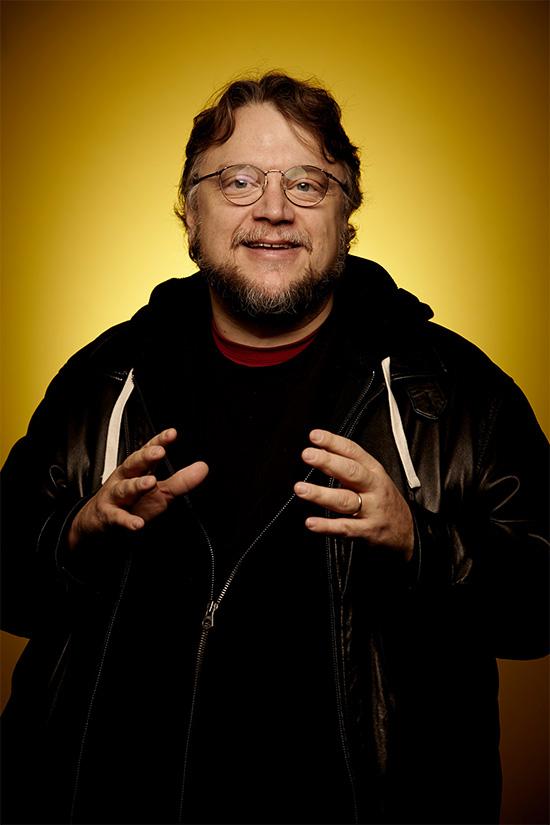 Guillermo del Toro se congratula de tú lectura
