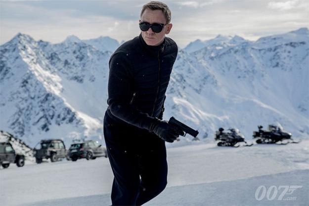 Blanca Navidad en SPECTRE con Daniel Craig como James Bond