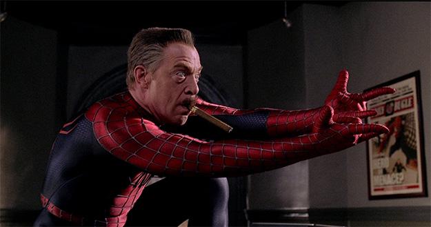 Si quieres también puede intentar ser Spider-Man