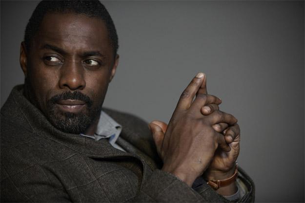 Idris Elba, todo presencia para ser Roland Deschain