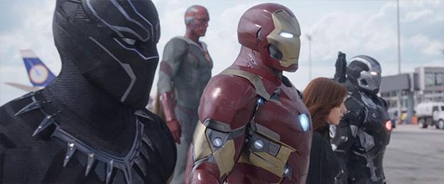 #TeamIronMan con Iron Man, Máquina de Guerra, Viuda Negra, Visión y Pantera Negra