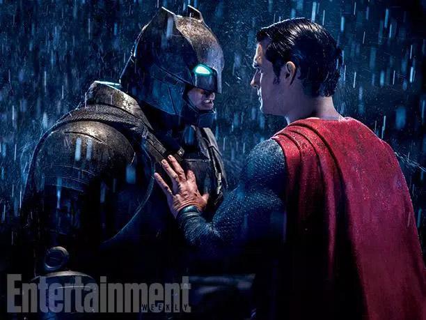 Batman v Superman... ¡no cabe nadie más!