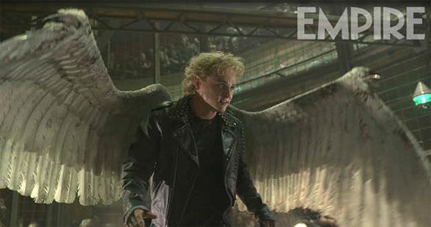 Ben Hardy en modo pre-Arcangel en una especie de Club de la Lucha mutante... ¿os suena la idea?