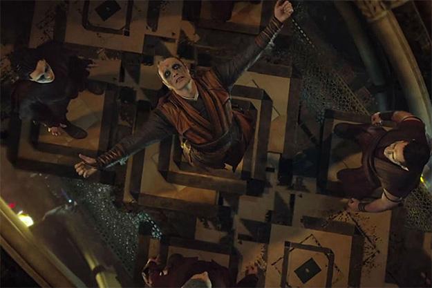 Mads Mikkelsen es Kaecilus en Doctor Strange