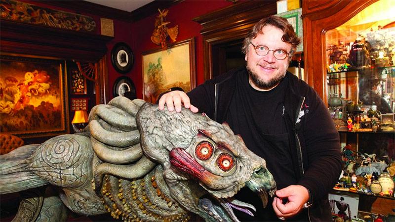 Guillermo del Toro y una de sus criaturas favoritas