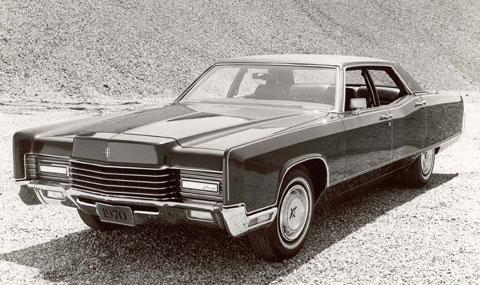 El coche de Batman según Arofnosky... un Lincoln Continental