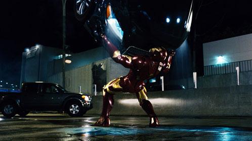 Iron Man evitando una catástrofe
