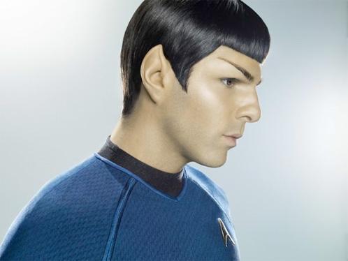 Nueva foto brutal de Spock (Zachary Quino) en Star Trek (Mega King Size en AICN)