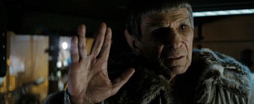 Leonard Nimoy como un anciano Spock