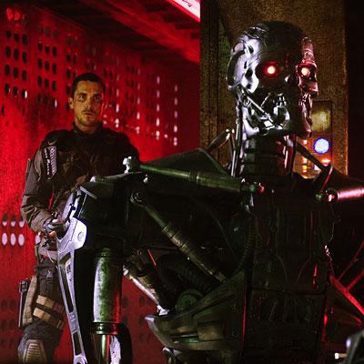 John Connor (Christian Bale) se encuentra con un viejo amigo...