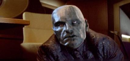 Destro (Christopher Eccleston) vistiendo su famosa máscara