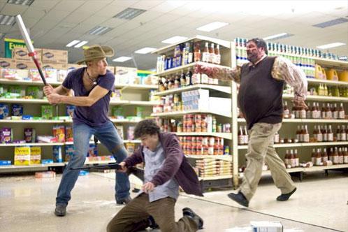 Jugando en el centro comercial... un clásico de las pelis de zombis