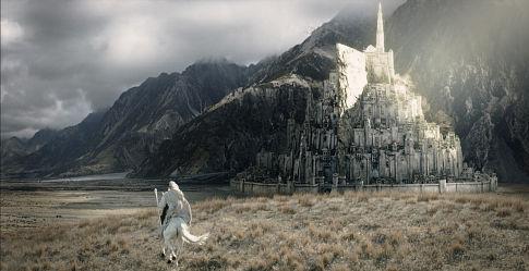 Gandalf llega a Minas Tirith
